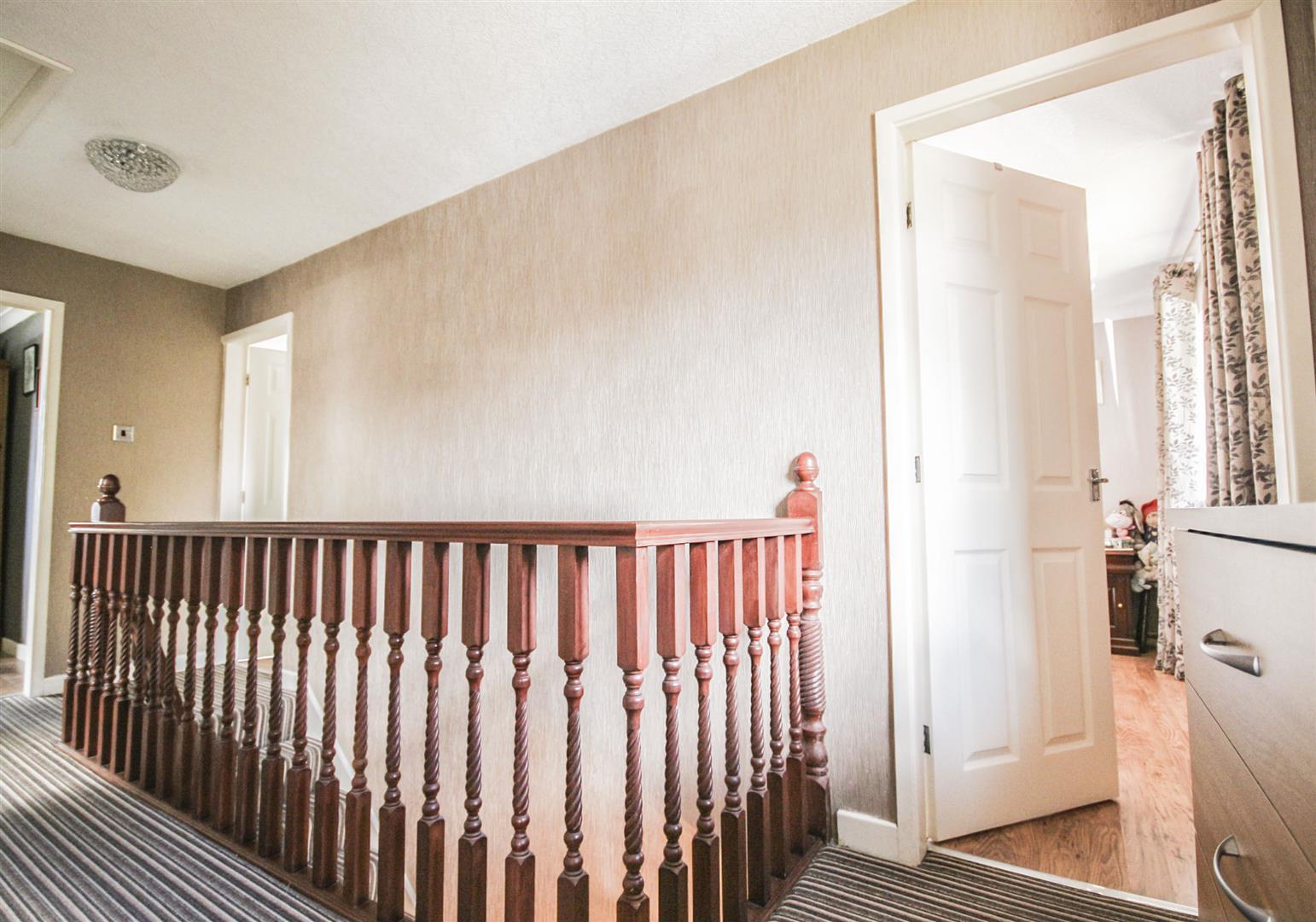 4 Bedroom Detached House For Sale - _._15.jpg